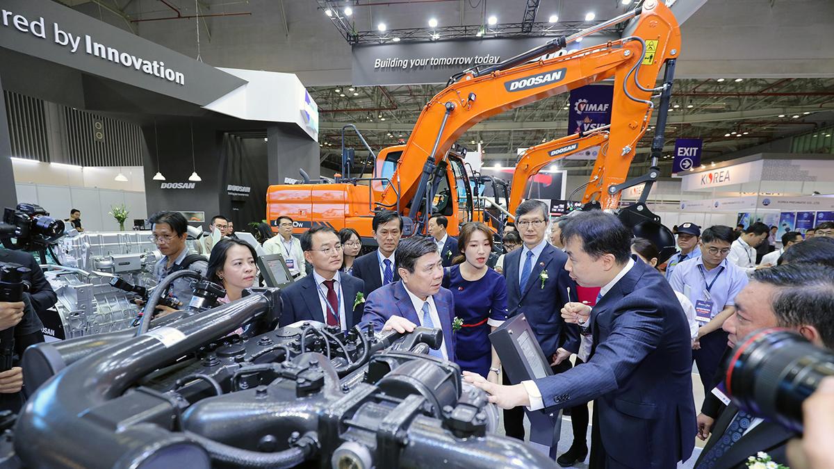[보도자료]두산인프라코어, 베트남 국제기계산업대전 참가